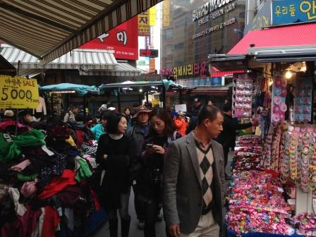 Wide variety of clothing stores on Namedaemum Market